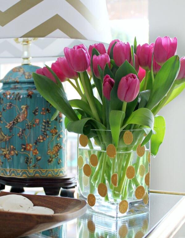 Simple DIY Gold Polka Dot Vase